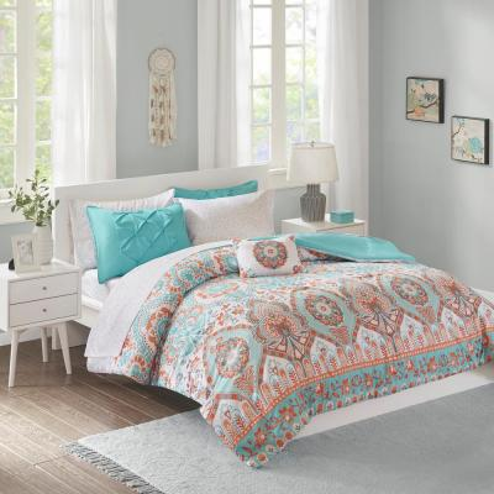 Avery 8-Piece Aqua Queen Bed in a Bag Set