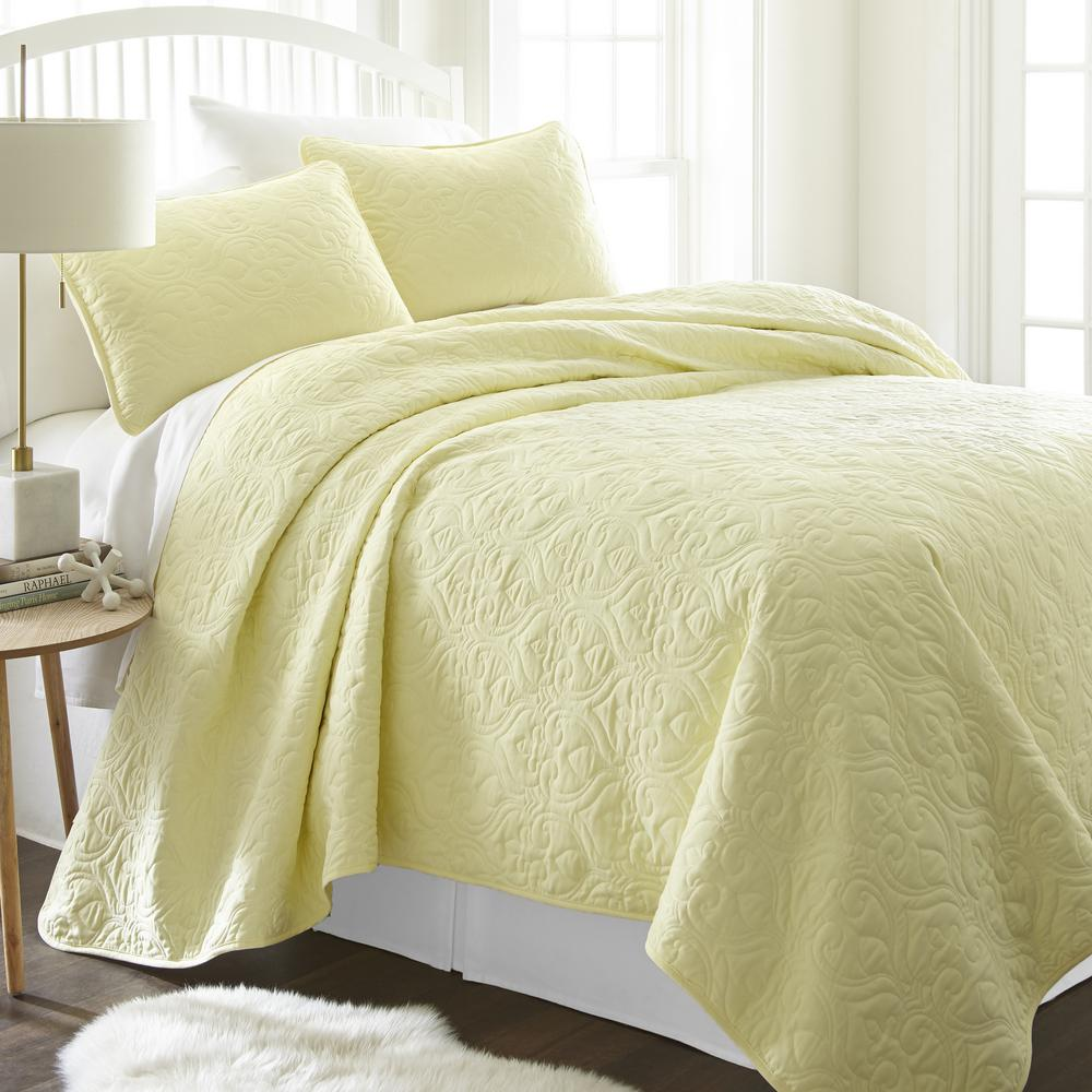 Becky Cameron Becky Cameron Damask Yellow Queen Performance Quilted Coverlet Set
