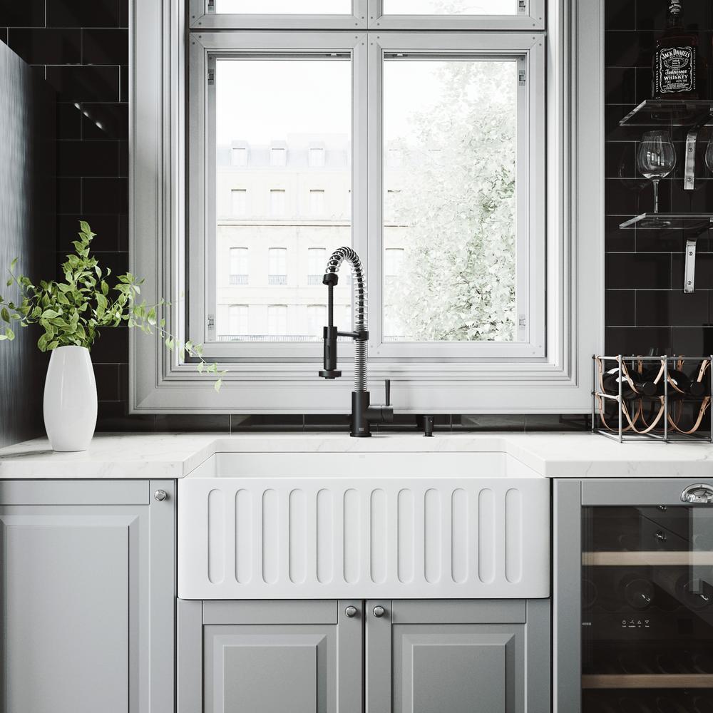 VIGO Matte Stone Farmhouse Composite 30 in. Single Bowl Kitchen Sink with 1  Strainer in Matte White