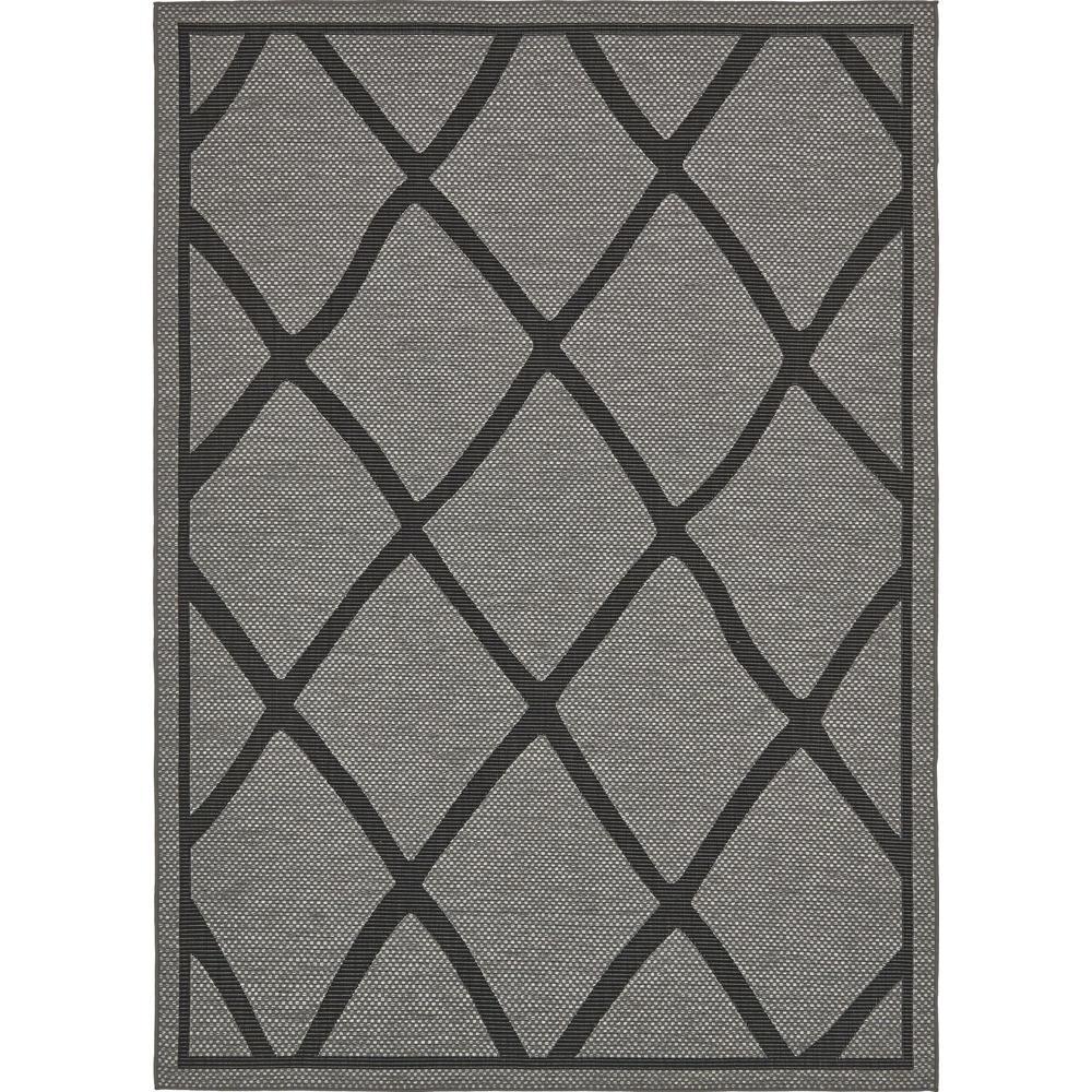 Outdoor Gray and Black 7' x 10' Indoor/Outdoor Rug