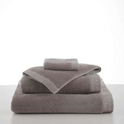 Classic Egyptian Cotton Bath Towel in Wet Weather