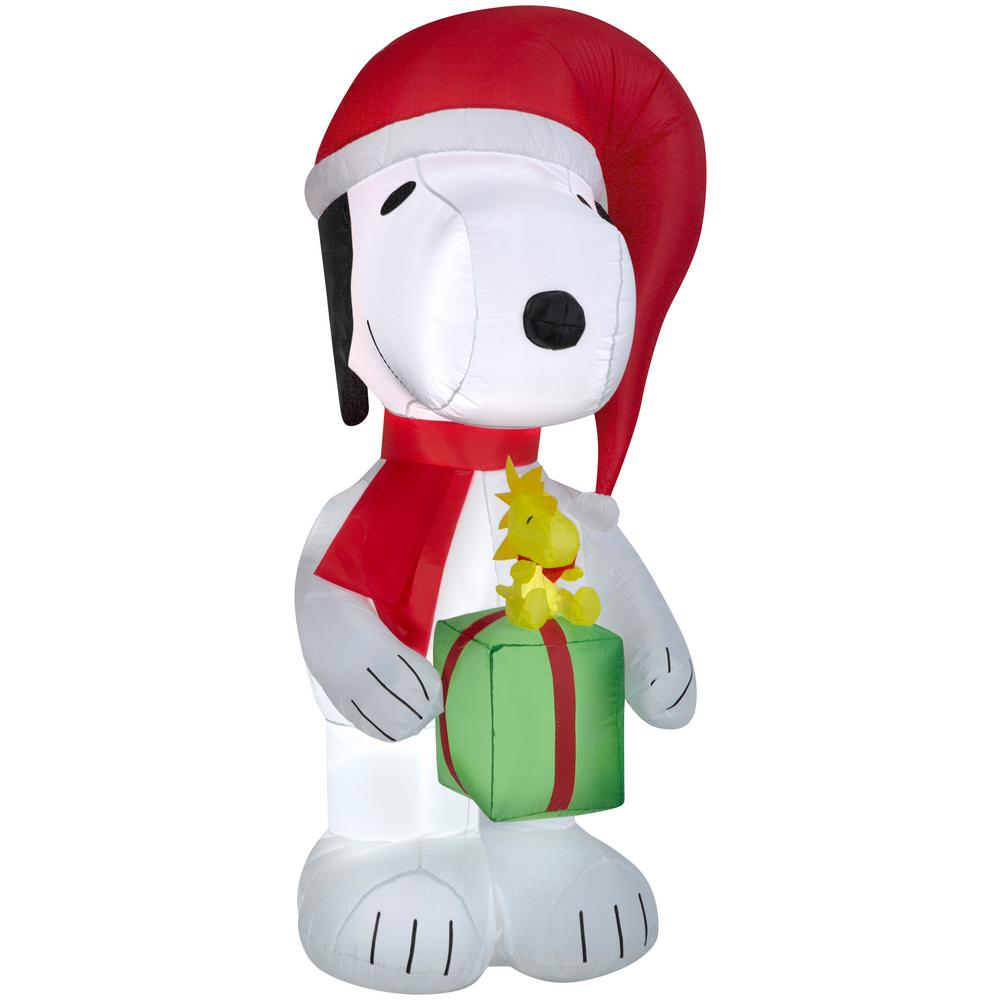 6 ft. Airblown Snoopy Holding Present with Woodstock Christmas Inflatable