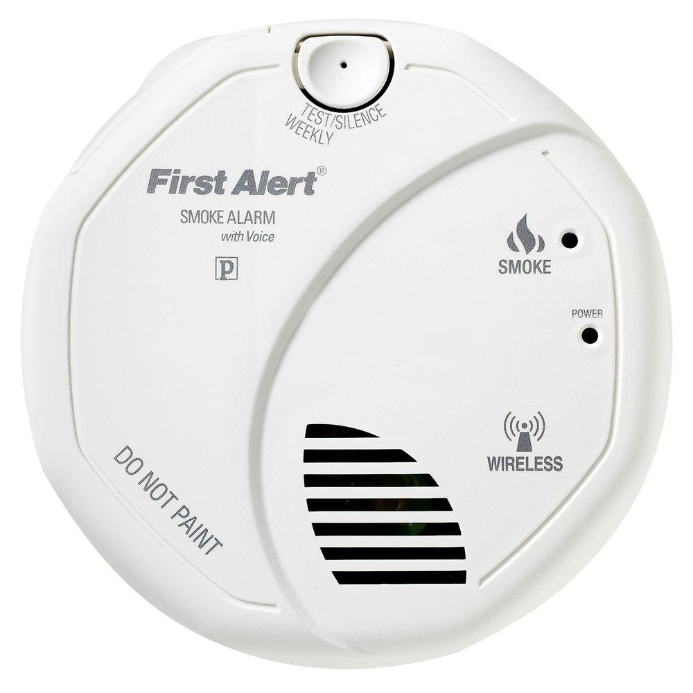 First Alert Wireless Interconnect Battery Operated Smoke Detector