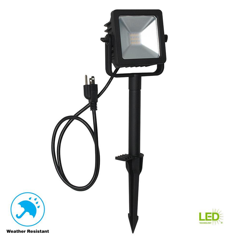 Line Voltage Black Outdoor Integrated LED Landscape Flood Light