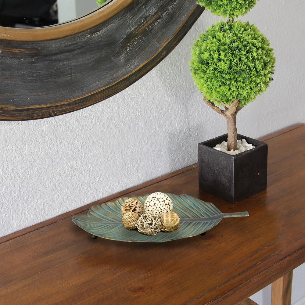 Stratton Home Decor Metal Leaf Table Top