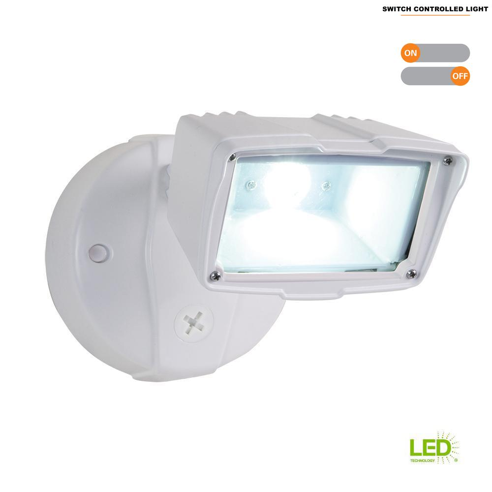 White Outdoor Integrated Led Small Head Security Flood Light With 1475 Lumens 5000k Daylight Switch Controlled