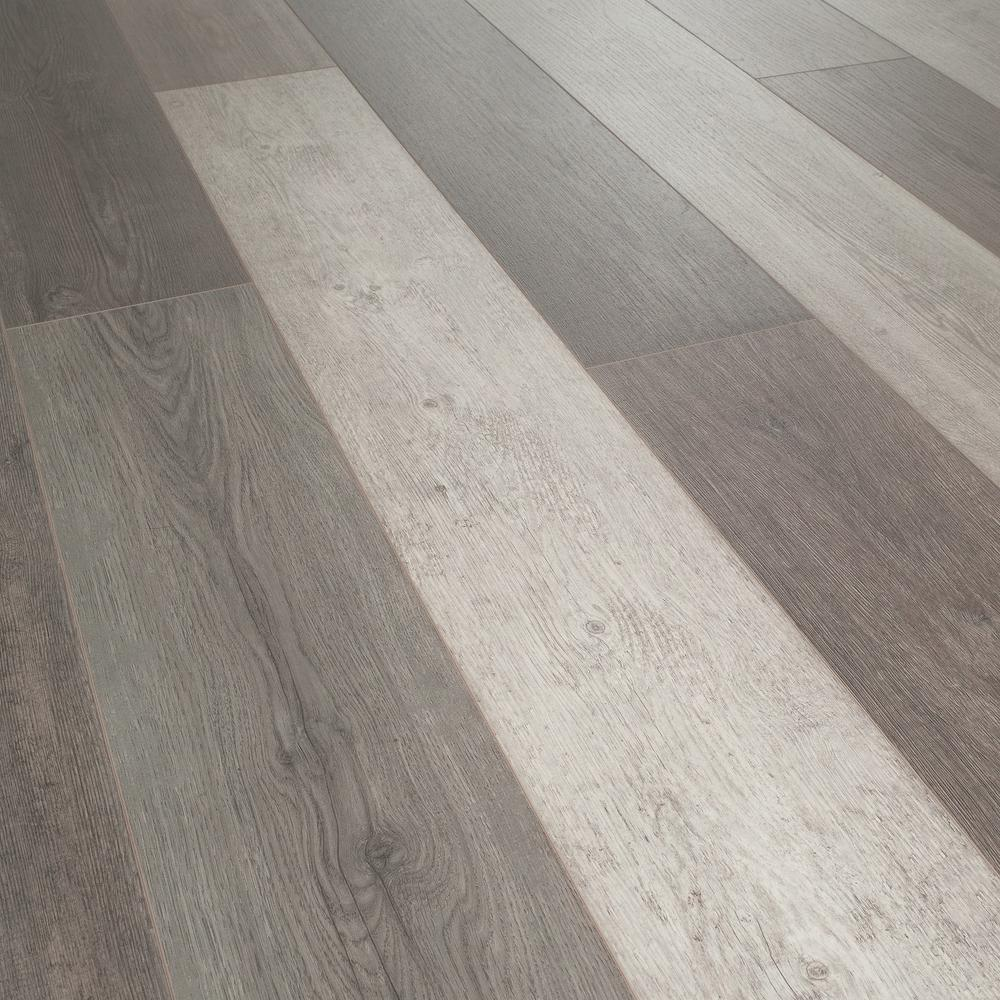 Helvetic Floors Water Resistant Zermatt Oak 12mm Thick Laminate Flooring (14.33 Sq. Ft. / Case), Medium