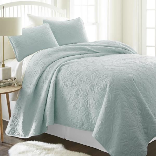 Becky Cameron Damask Pale Blue King Performance Quilted Coverlet Set