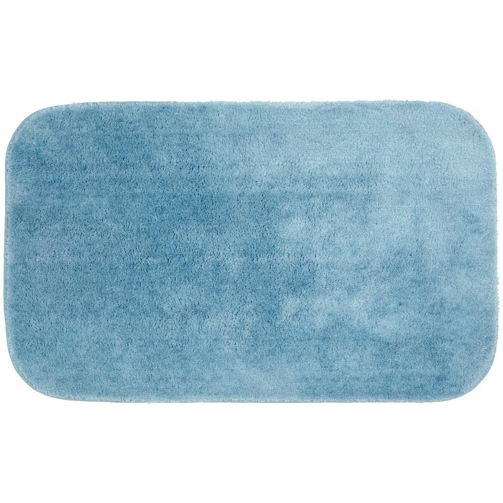 Traditional Basin Blue 24 in. x 40 in. Plush Nylon Bath Mat