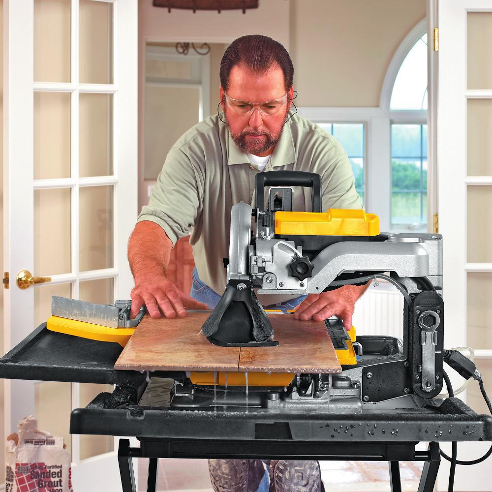Dewalt 10 In Wet Tile Saw With Stand D24000s The Home Depot