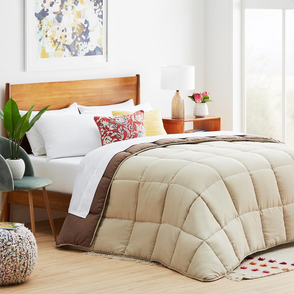 Sand/Mocha Oversized Queen Down Alternative Microfiber Comforter