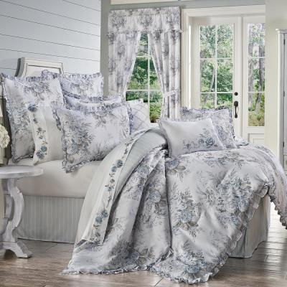 Estelle 4-Piece Blue Queen Comforter Set