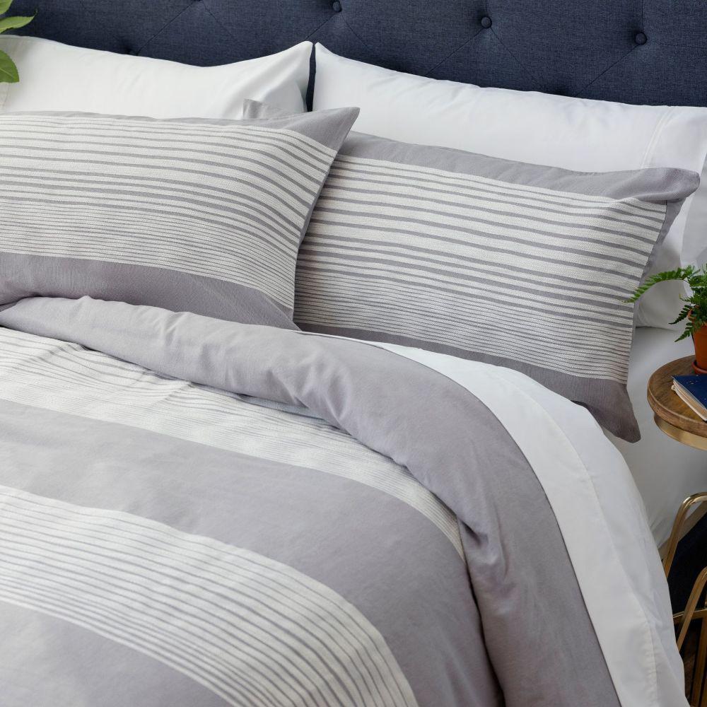 The Erickson Cotton Gray/White Full/Queen Comforter Set