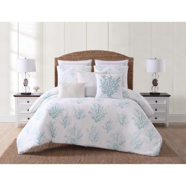 Oceanfront Resort Cove White and Blue King Comforter with 2-Shams