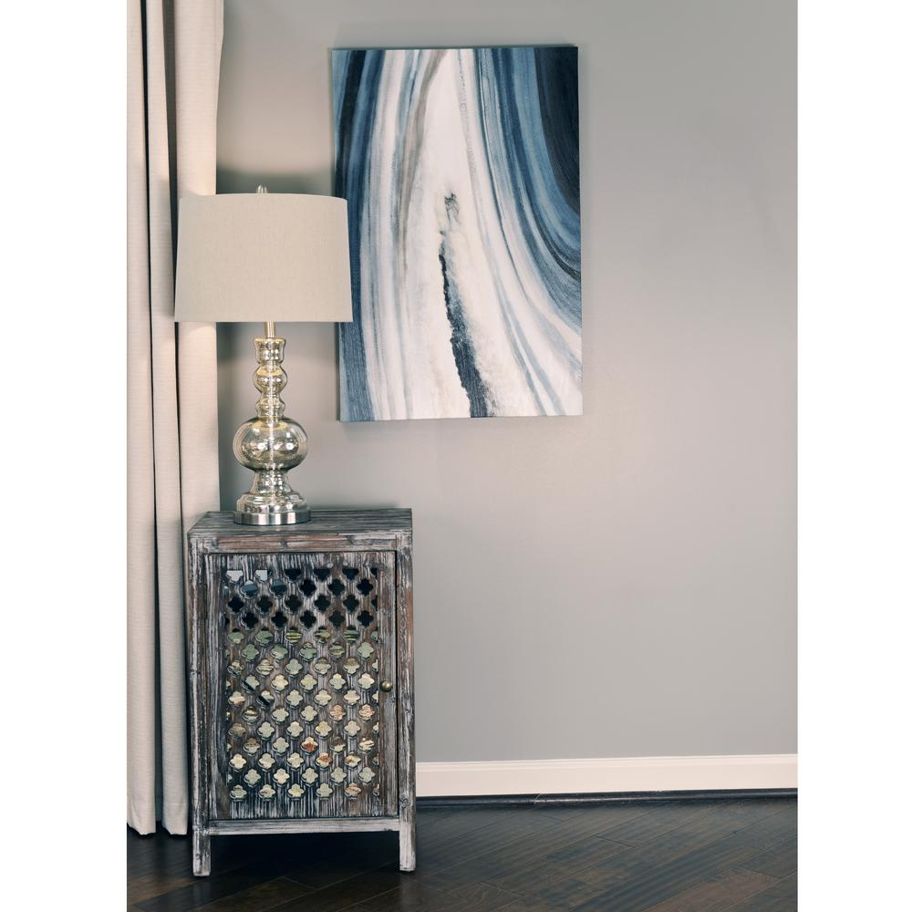 Decor Therapy Quatrefoil Distressed Gray Mirror Accent End Table