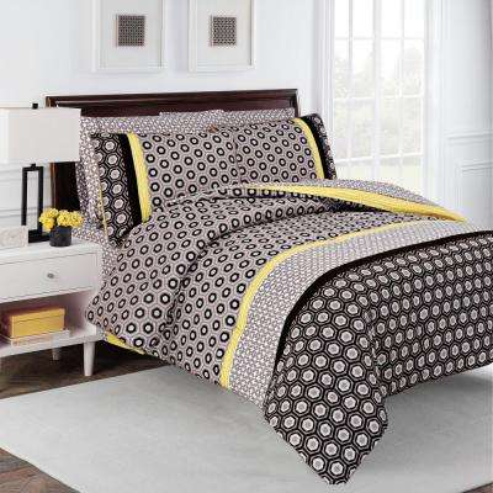 Hexagon Multi-Colored 7-Piece Full Comforter Set