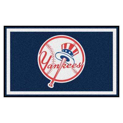MLB - New York Yankees 4 ft. x 6 ft. Ultra Plush Area Rug
