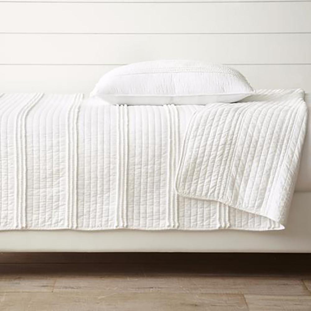 Mini Pom Rows White King Quilt Set