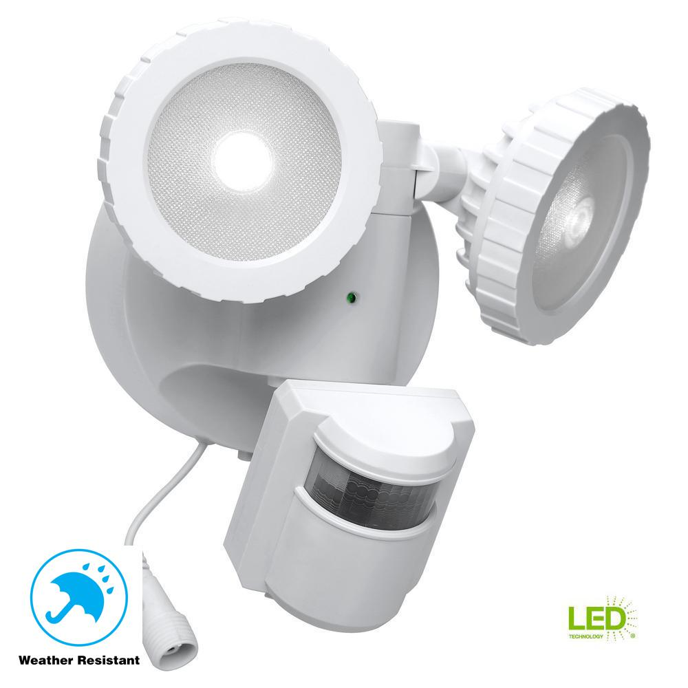 Defiant Outdoor Flood Light: Defiant 180-Degree White Solar Powered Motion Activated