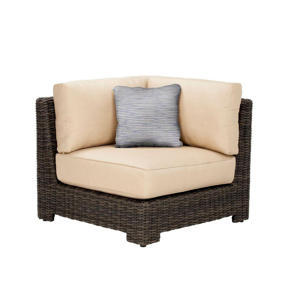Northshore Corner Patio Sectional Chair with Harvest Cushion and Congo Throw