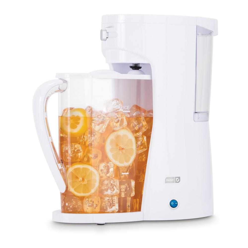2.5 l Iced Tea and Beverage Brewer in White The Dash Iced Beverage Brewer makes 2.5 l of iced tea or coffee in minutes. Adjust the strength of your tea or coffee based on personal tastes. The Iced Beverage Brewer jug easily stores in the refrigerator door and is ideal for a hot afternoon refreshing pick-me-up. Color: White.