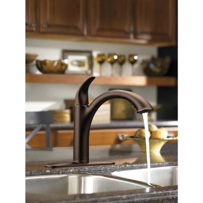 Camerist Single-Handle Pull-Out Sprayer Kitchen Faucet in Oil Rubbed Bronze