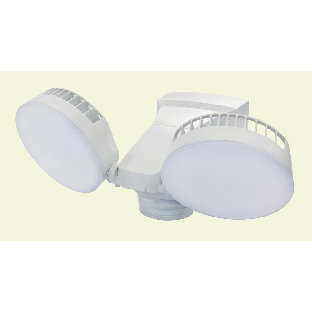 Defiant 270 Degree 2400 Lumens White Motion Activated