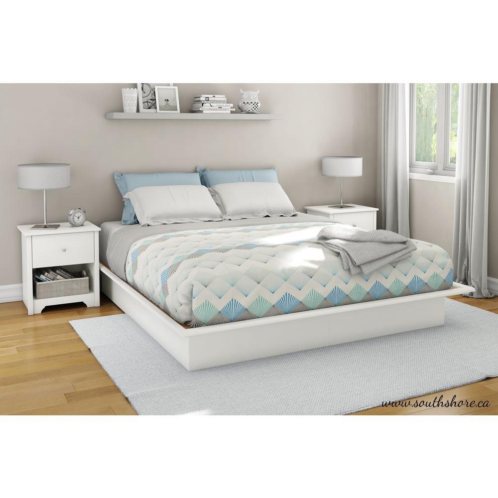 white full size platform bed