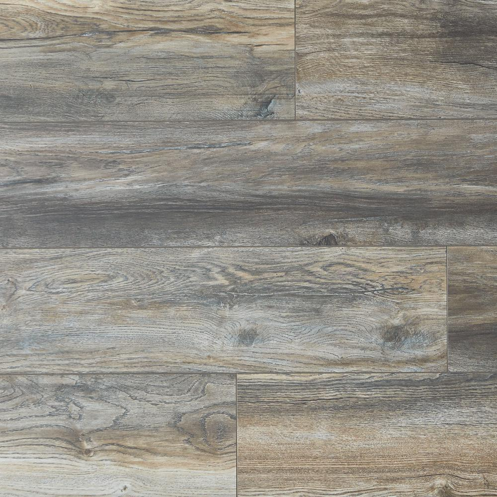 Home Decorators Collection Water Resistant 12mm Montrose Oak 12 Mm T X 7 1 2 In Wide X 50 2 3 In Length Laminate Flooring 18 42 Sq Ft Case Hdcwr24 The Home Depot