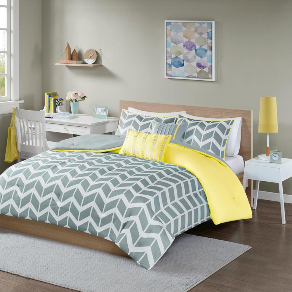 Intelligent Design Laila 4-Piece Yellow Twin/Twin XL Geometric Comforter Set