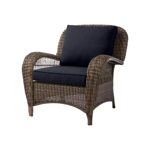 Beacon Park Brown Wicker Outdoor Patio Stationary Lounge Chair with CushionGuard Midnight Navy Blue Cushions
