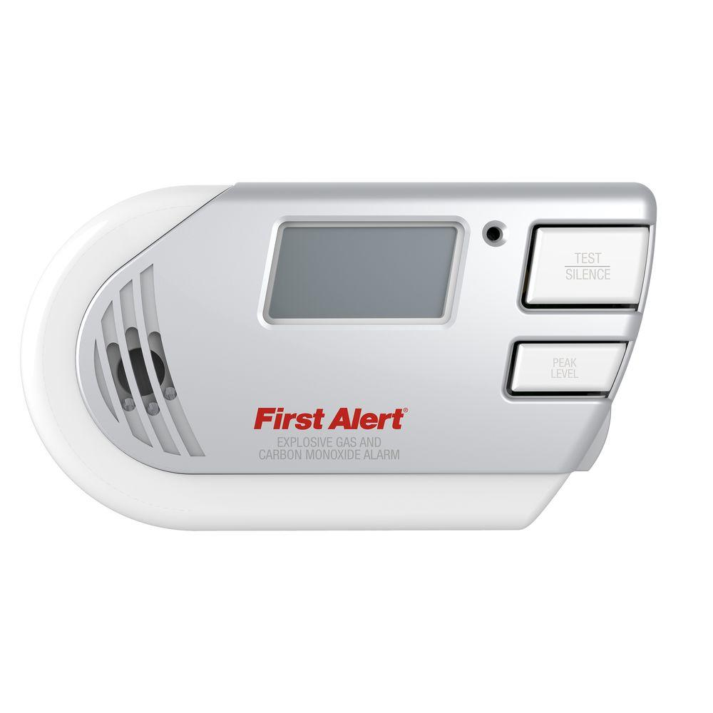 First Alert Plug-In Explosive Gas and Carbon Monoxide Detector Alarm with Digital Display