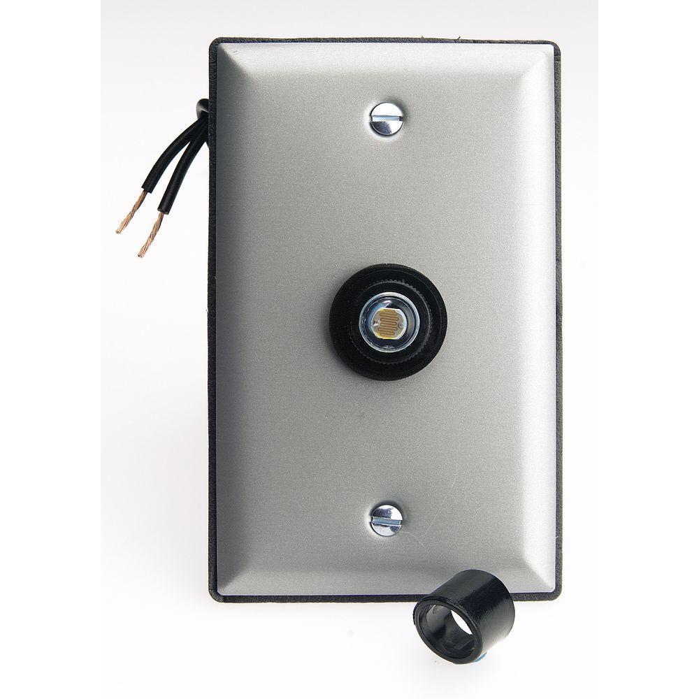 Home Lighting Controls: Westek 300-Watt Photo Eye Lighting Control With Face Plate