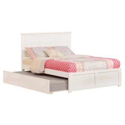 Madison Full Platform Bed with Flat Panel Foot Board and Twin-Size Urban Trundle Bed in White