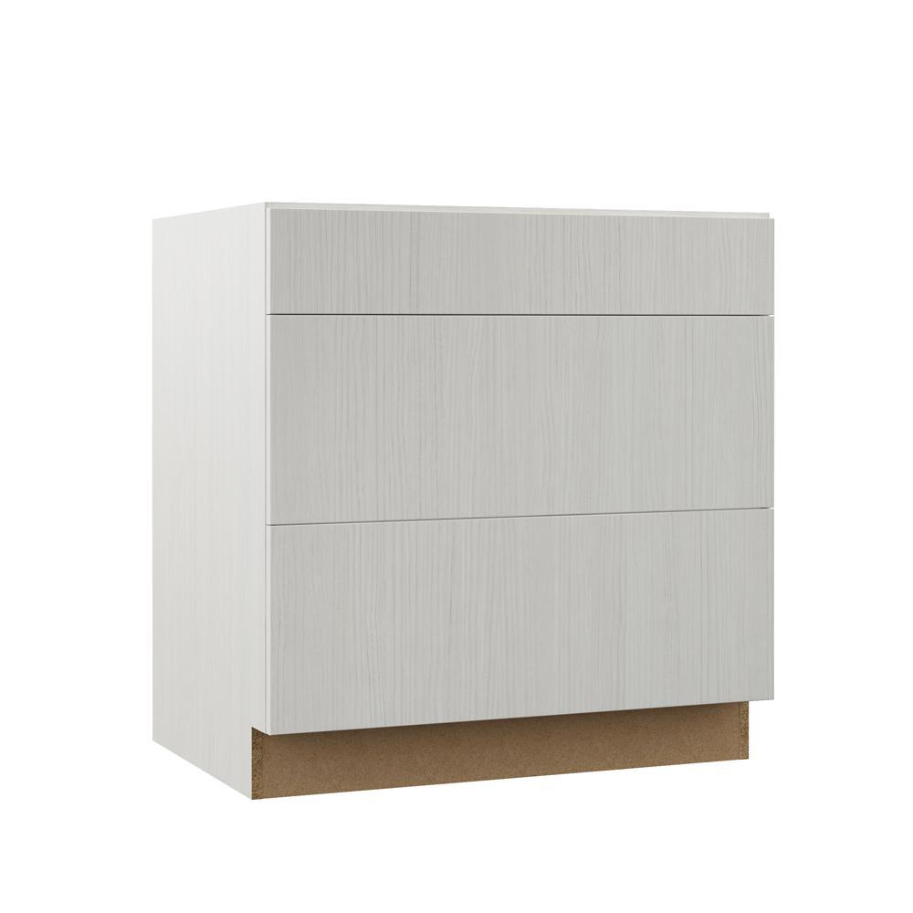 Hampton Bay Designer Series Edgeley Assembled 33x34 5x23
