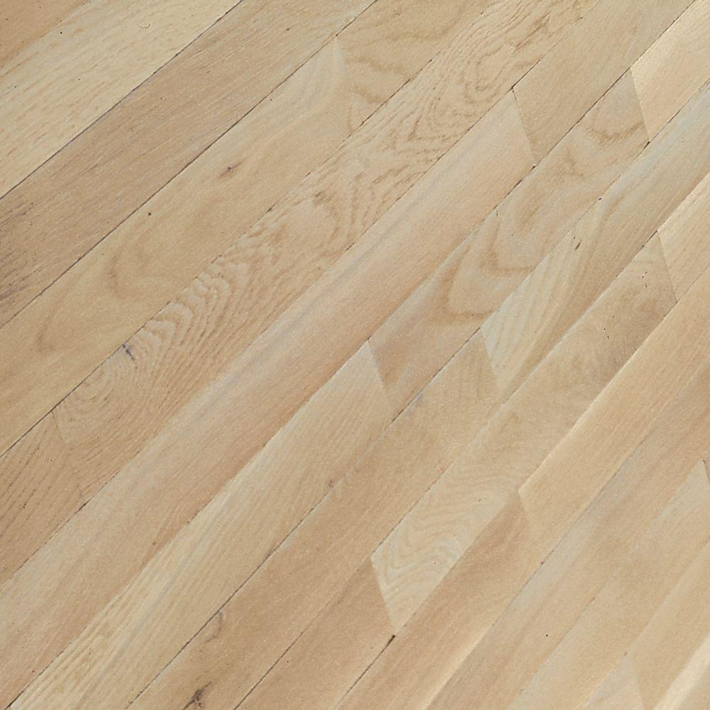 Bruce American Originals Tinted Tea Oak 5/16 in. Thick x 2-1/4 in. Wide Solid Hardwood Flooring (40 sq. ft. / case)