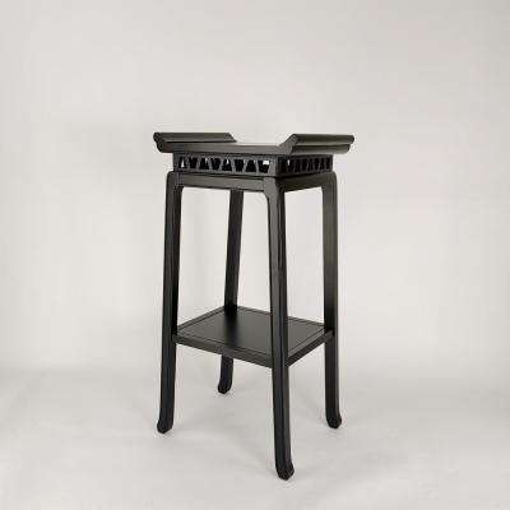 Anti. Black chow pedestal