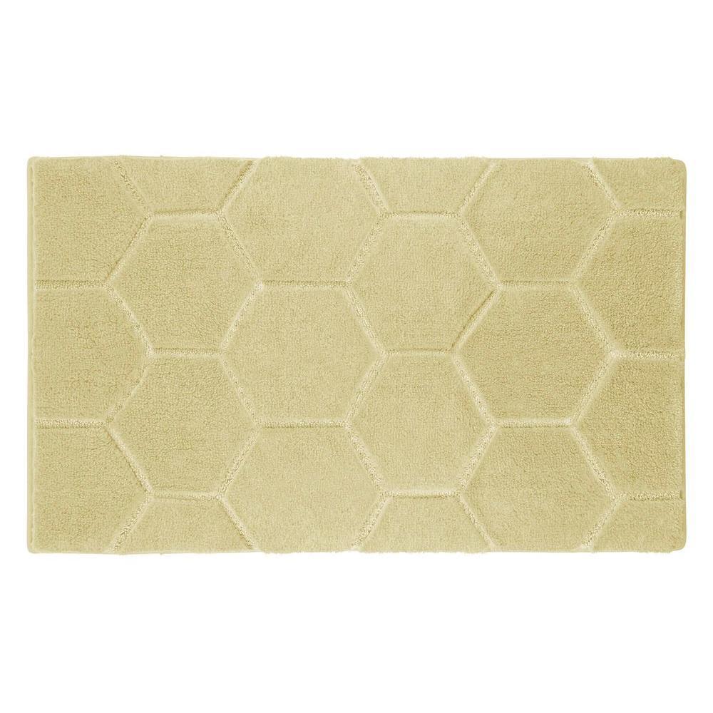 Pearl Honeycomb Banana 20 in. x 32 in. Bath Mat