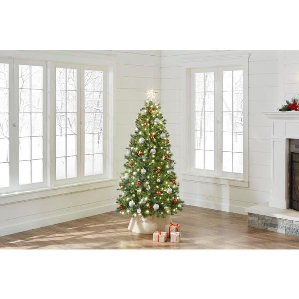 Home Accents Holiday 6 5 Ft Pre Lit Led Festive Pine Artificial Christmas Tree With 250 Warm White Lights W14l0525 The Home Depot