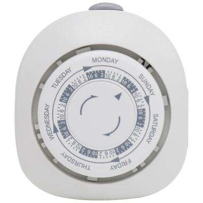 Indoor Plug-In 7-Day Security Timer