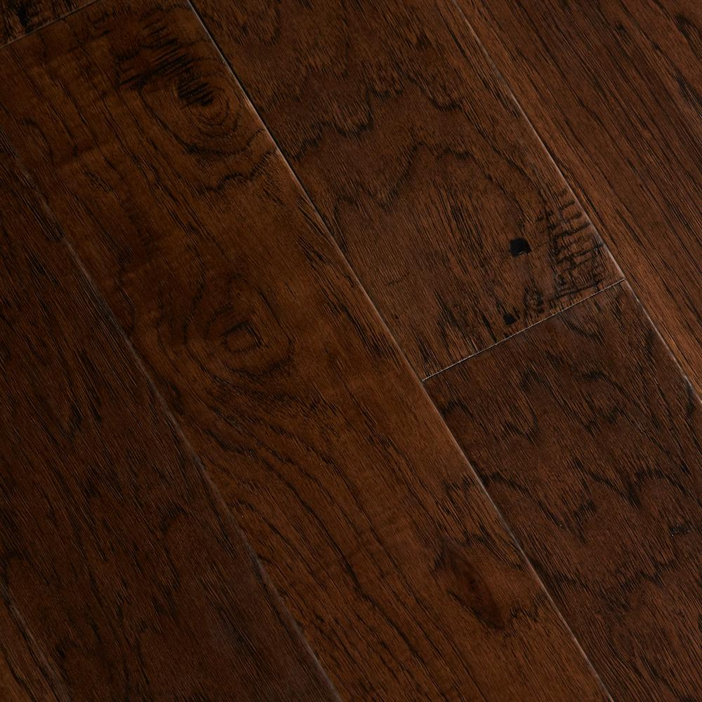 Home legend hand scraped distressed alvarado hickory 1 2 in x5 in varying