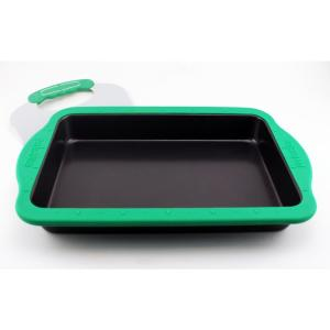 BergHOFF Perfect Slice Cake Pan with Silicone Sleeve and Slicing Tool by BergHOFF