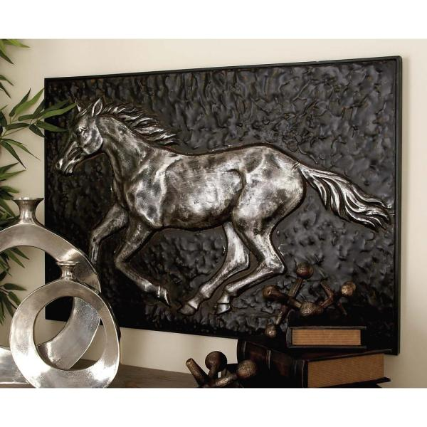 Litton Lane 38 In X 26 In Amazing Animals Gray Iron Horse Wall Art 95260 The Home Depot