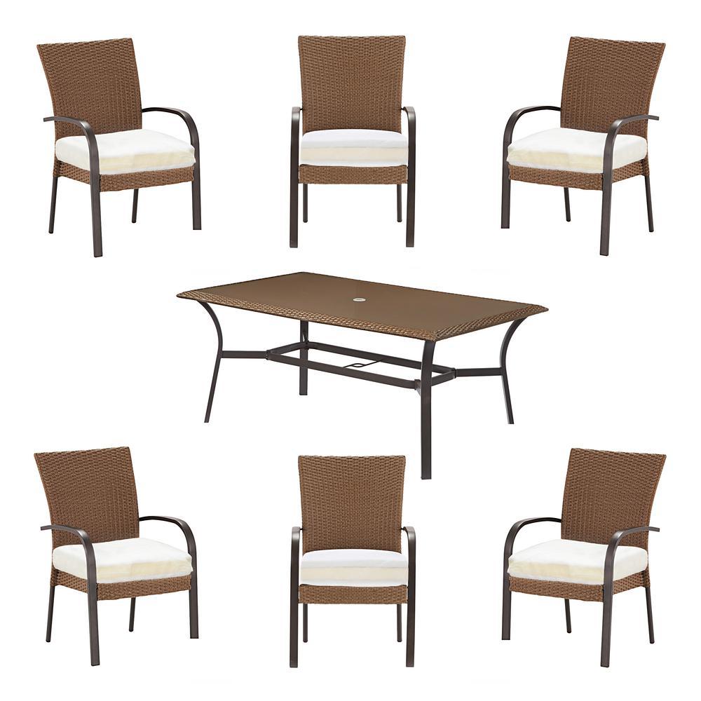 Corranade Custom 7-Piece Wicker Outdoor Dining Set