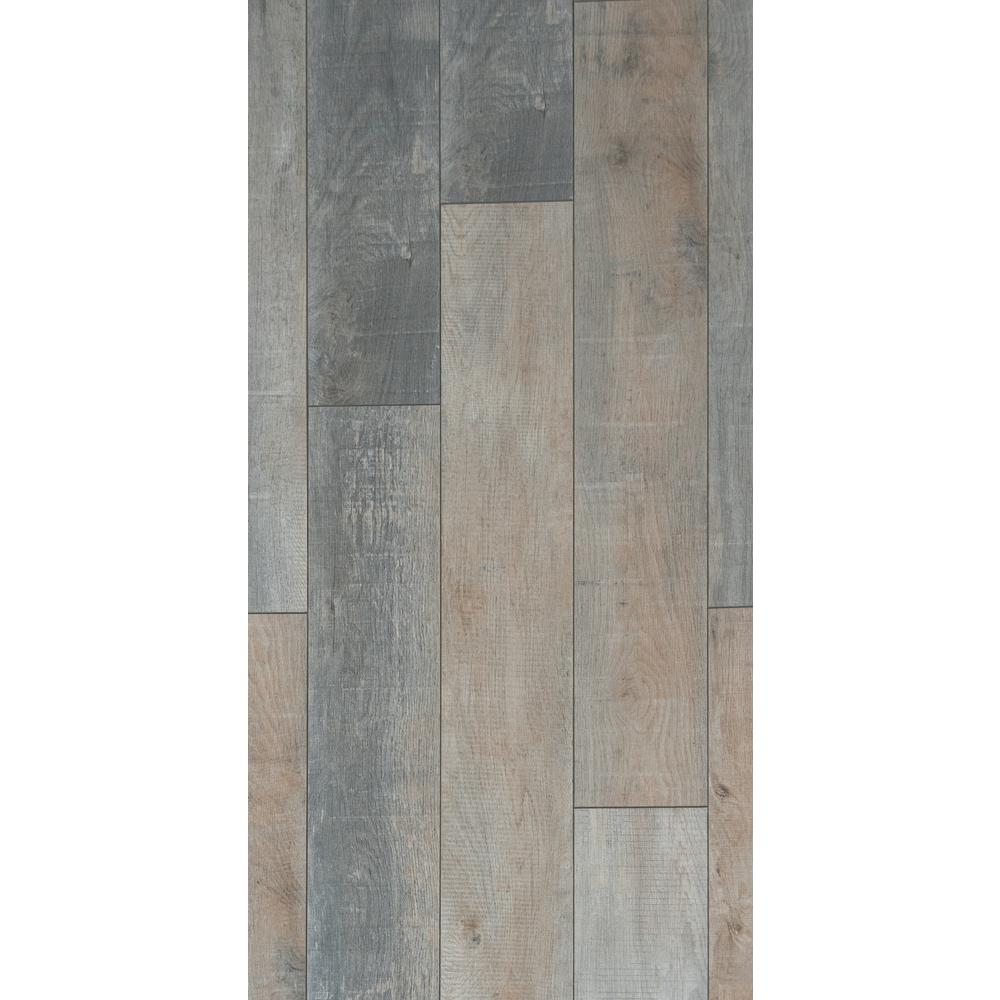 HomeDecoratorsCollection Home Decorators Collection Foggy Hollow Oak 12mm Thick x 8.03 in. Wide x 47.64 in. Length Laminate Flooring (15.94 sq. ft. / case), Light
