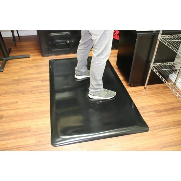 Rhino Anti Fatigue Mats Marbleized Tile Top Anti Fatigue Black 4 Ft X 50 Ft X 7 8 In Vinyl Commercial Mat Tt R48dsblkx50 The Home Depot
