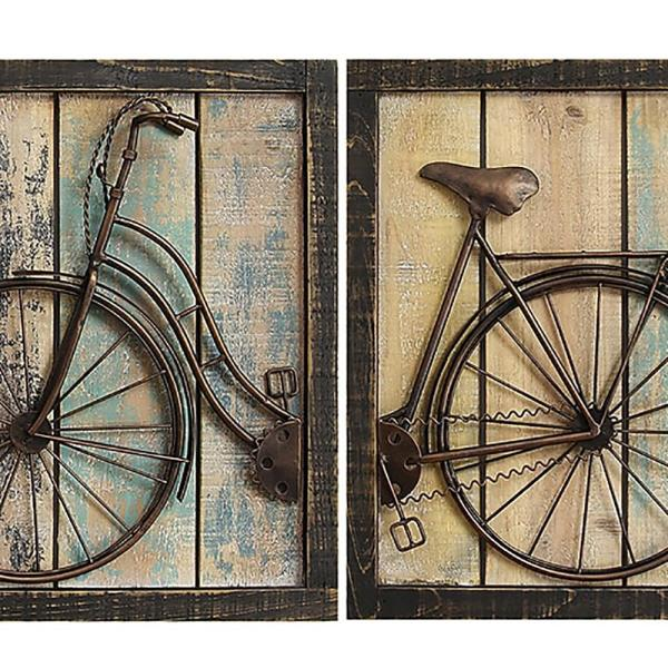 Stratton Home Decor Rustic Bicycle Wall