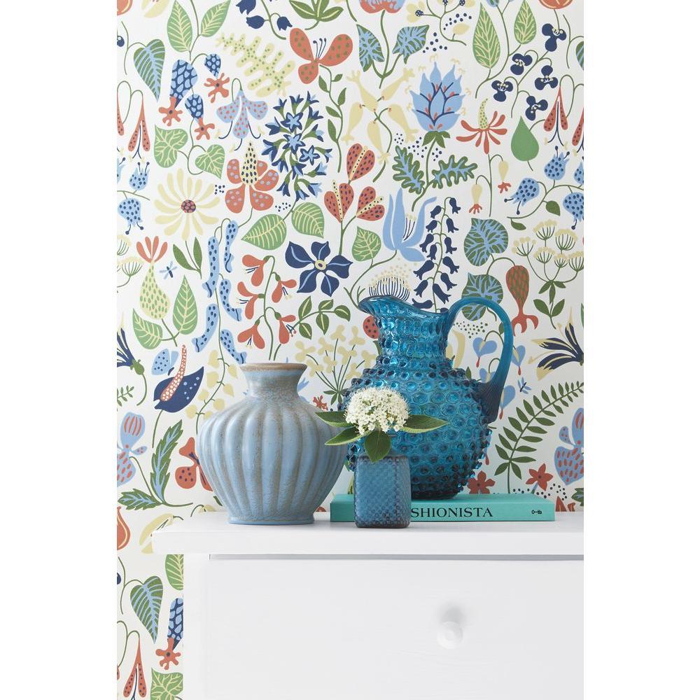 White Floral Motif Wallpaper