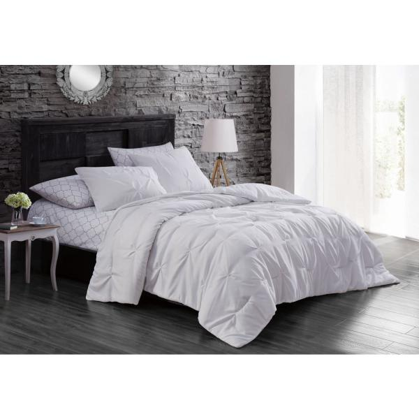 Flynn 7-Piece White King Bed in a Bag Set