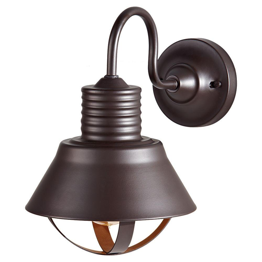 Derek 1-Light Oil-Rubbed Bronze Outdoor Wall Bracket